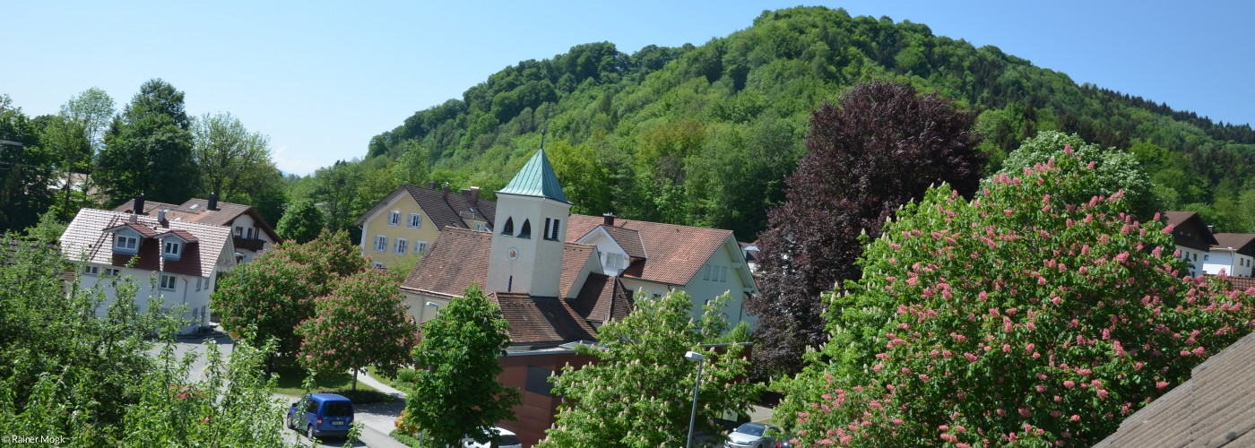 Totale Gemeindehaus Kirche Pbg Sommer